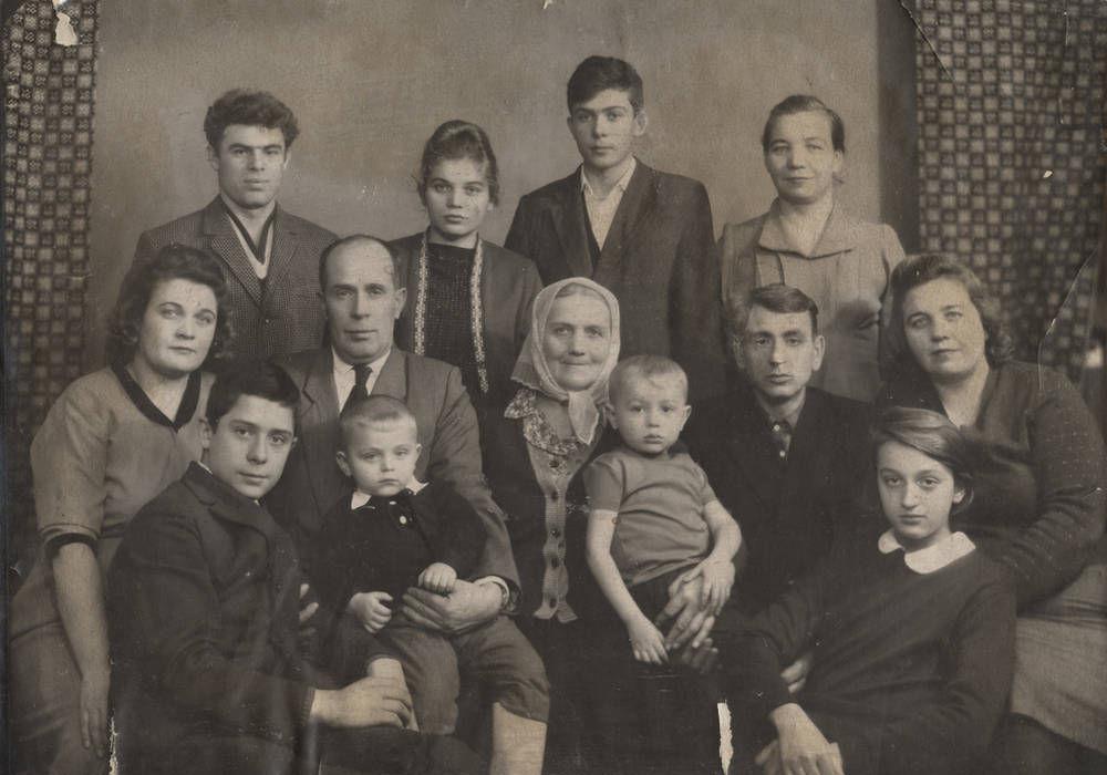 Ελληνική οικογένεια: Ευτύχημα ή βάρος;