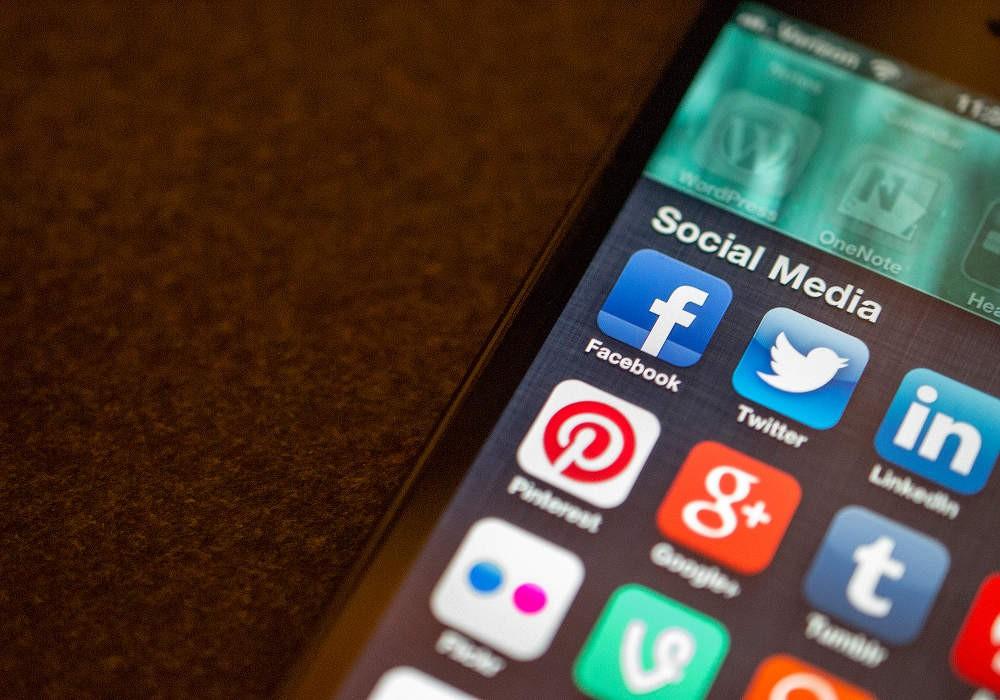 Μέσα κοινωνικής δικτύωσης: Χάνουμε στ' αλήθεια κάτι καλό;